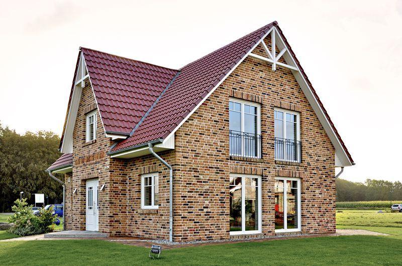 gebautes friesenhaus mit 129 89 qm wohnfl che haus. Black Bedroom Furniture Sets. Home Design Ideas