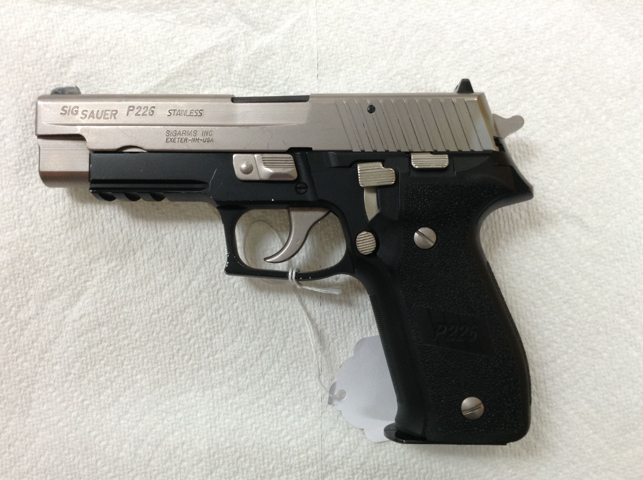 sig sauer p226 stainless 40 cal with one mag g i 4303 585 out the