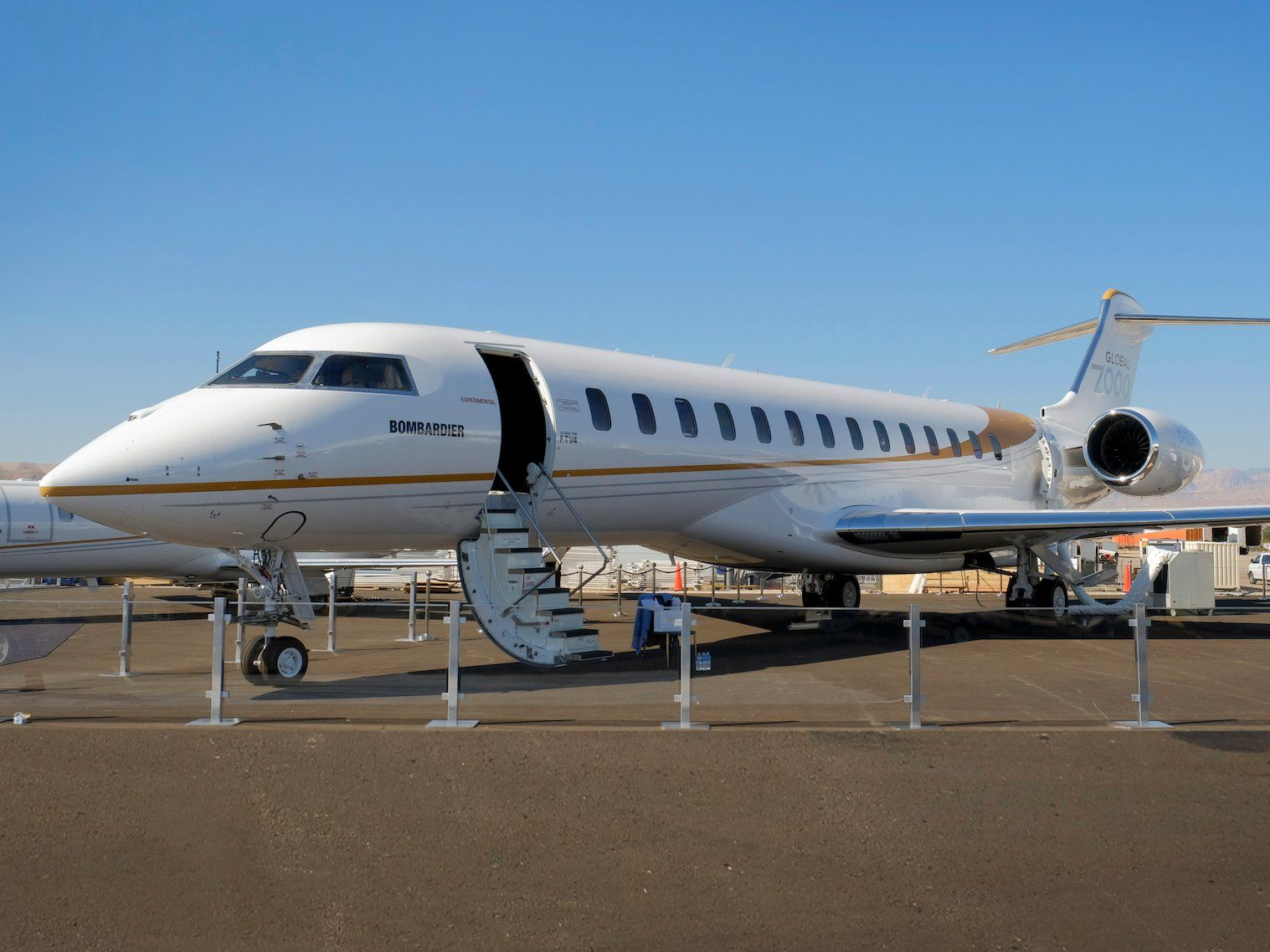 Bombardier debuts Global 7000 private jet Photos, details