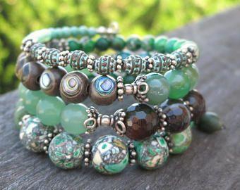 Grüne Schönheiten Speicher Draht Armband - mit Edelsteinen und ...