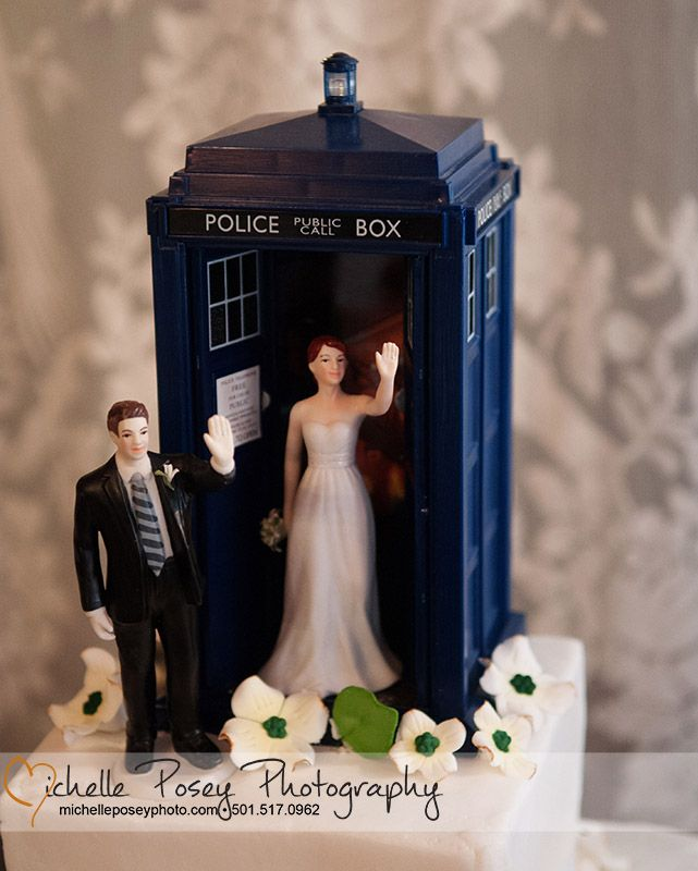 Doctor Who Wedding Cake The Tardis Topper