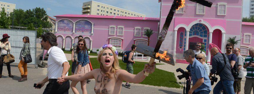 Barbie Dreamhouse Gets Fiery Welcome in Berlin