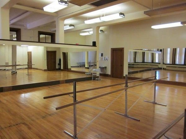 Great Dance Studio Setup Alvas Glassless Mirror Panels On The Walls And Free Standing Portable Double Sided Ballet B Dance Studio Studio Setup Dance Mirrors