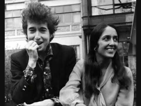 Joan Baez Mimi Baez Catch The Wind This Song Was Playing Just As My Son Was Born The Slow Donovan Version Bu Joan Baez Dylan Songs Bob Dylan Songs
