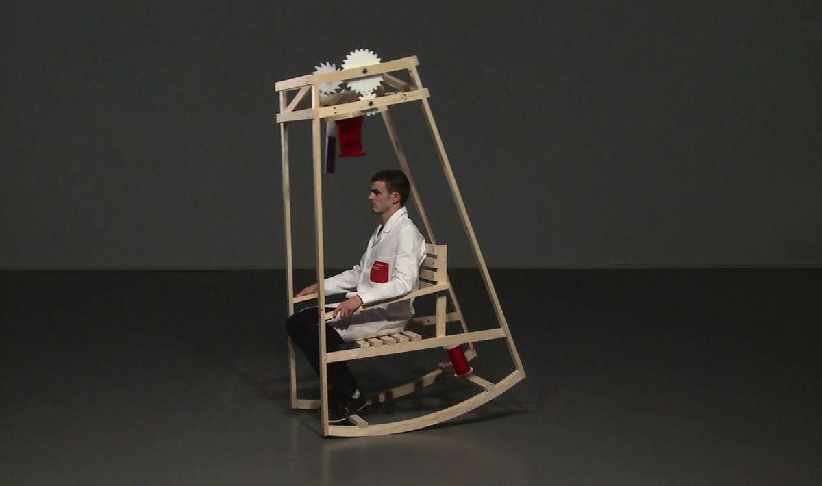 Sedia A Dondolo Inventore.Arriva La Sedia A Dondolo Automatica Rocking Chair Chair