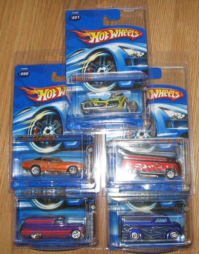 2006 How Wheels Toys R Us Mystery Cars Complete Set All Five Hot