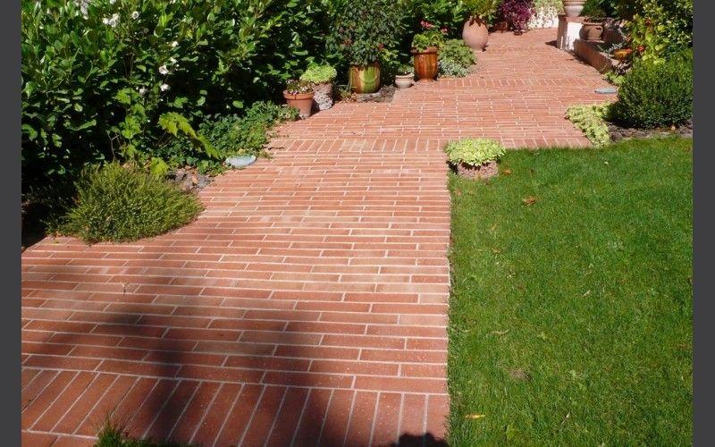 Allée jardin médierranéen | Carrelage terre cuite exterieure ...