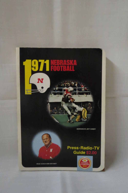 1971 Nebraska Football Media Guide Press Radio TV Guide