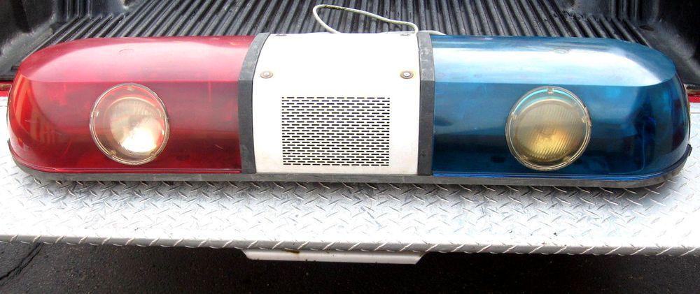 vintage police light bar whelen with