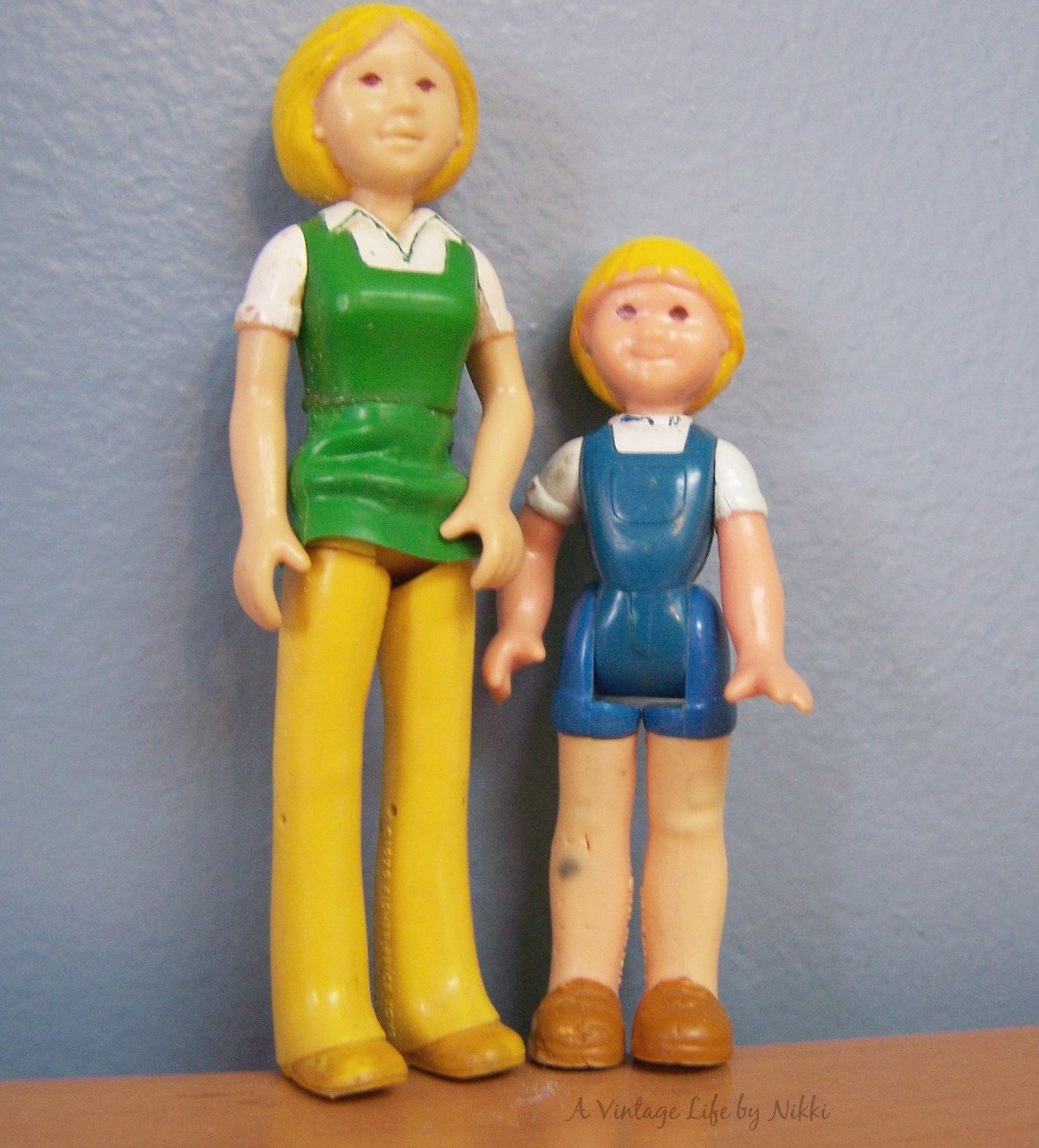 Vintage 1979/1981 Fisher Price Dollhouse Family figures – Mom and Child, blond by AVintageLifeByNikki on Etsy