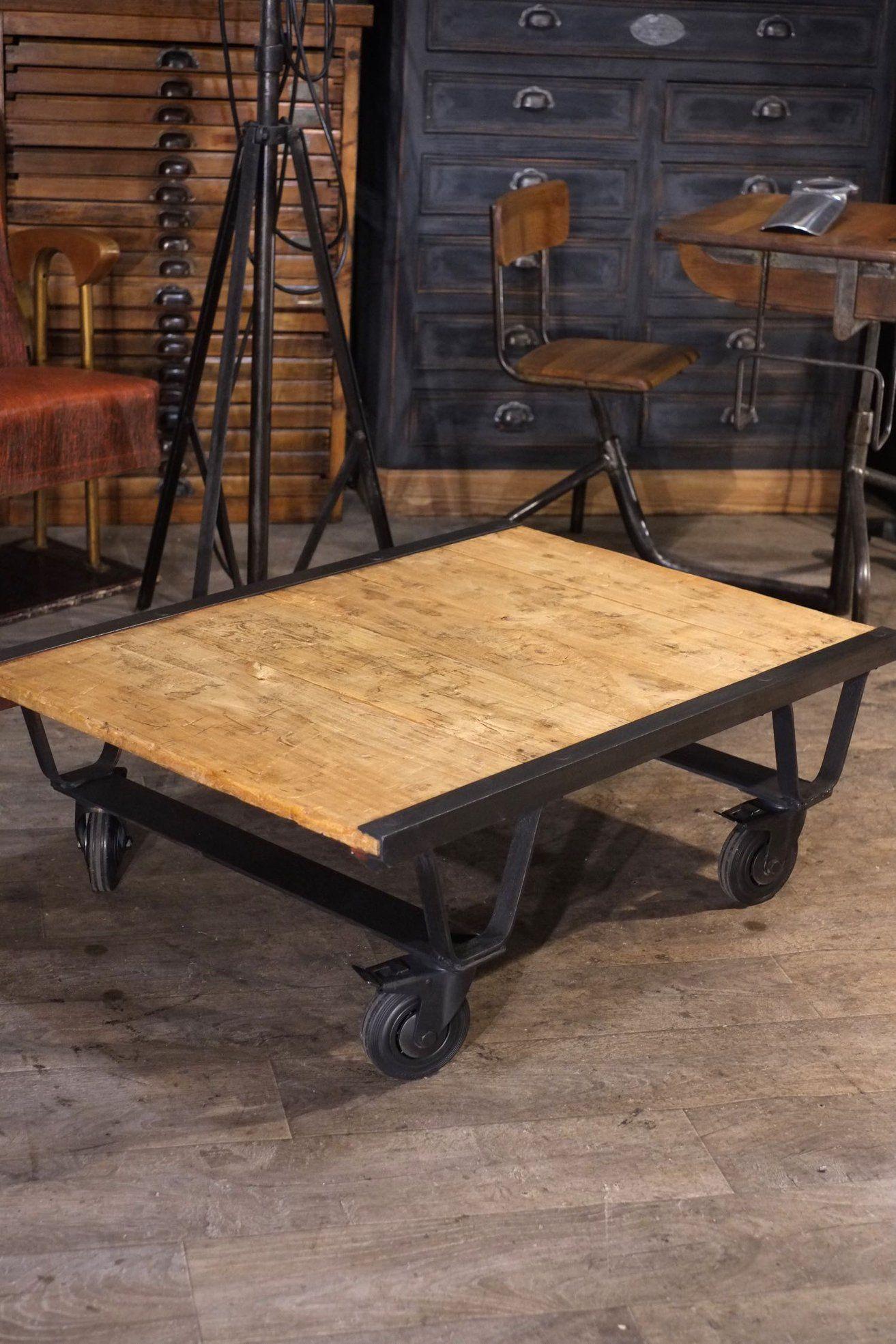 Palette Ancienne Sncf Detourne En Table Basse Plus D Info Sur Https Ift Tt 1opl503 Deco Design Antiquitesdesign En 2020 Mobilier Design Design Industriel Design