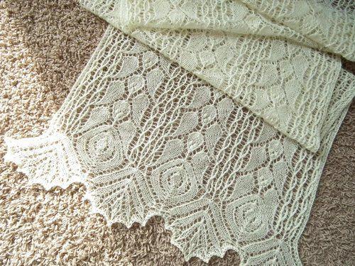 "Pattern :  "" Rhodion Lace Shawl ""  by Elizabeth Freeman.  Lovely!"