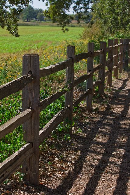 Img 2352 texas hill country fences and ranch for Old wooden fence ideas