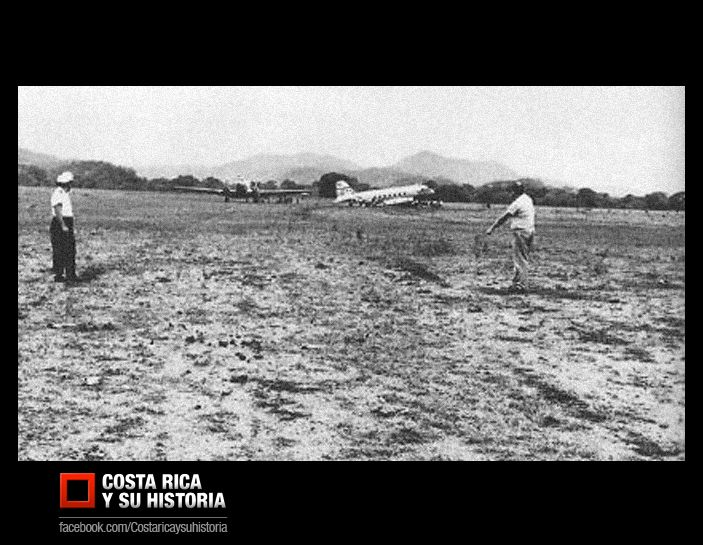 Primeras operaciones de LACSA en improvisados campos aéreos. La Sabana. Años 40s.