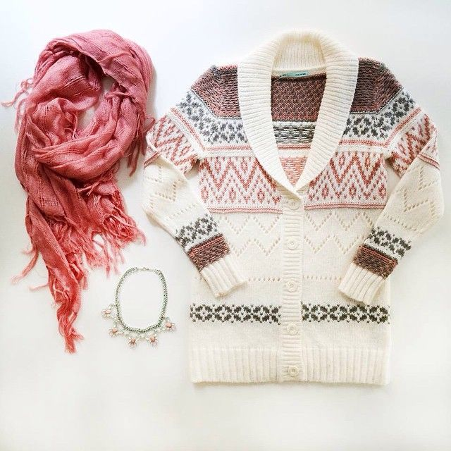 Wear cozy, wear maurices. #sweaterWeather #ootd #maurices Shop the look by clicking the link in our bio: like2b.uy/maurices