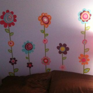 How I decorated my future step daughters bed bc she didn't want a headboard
