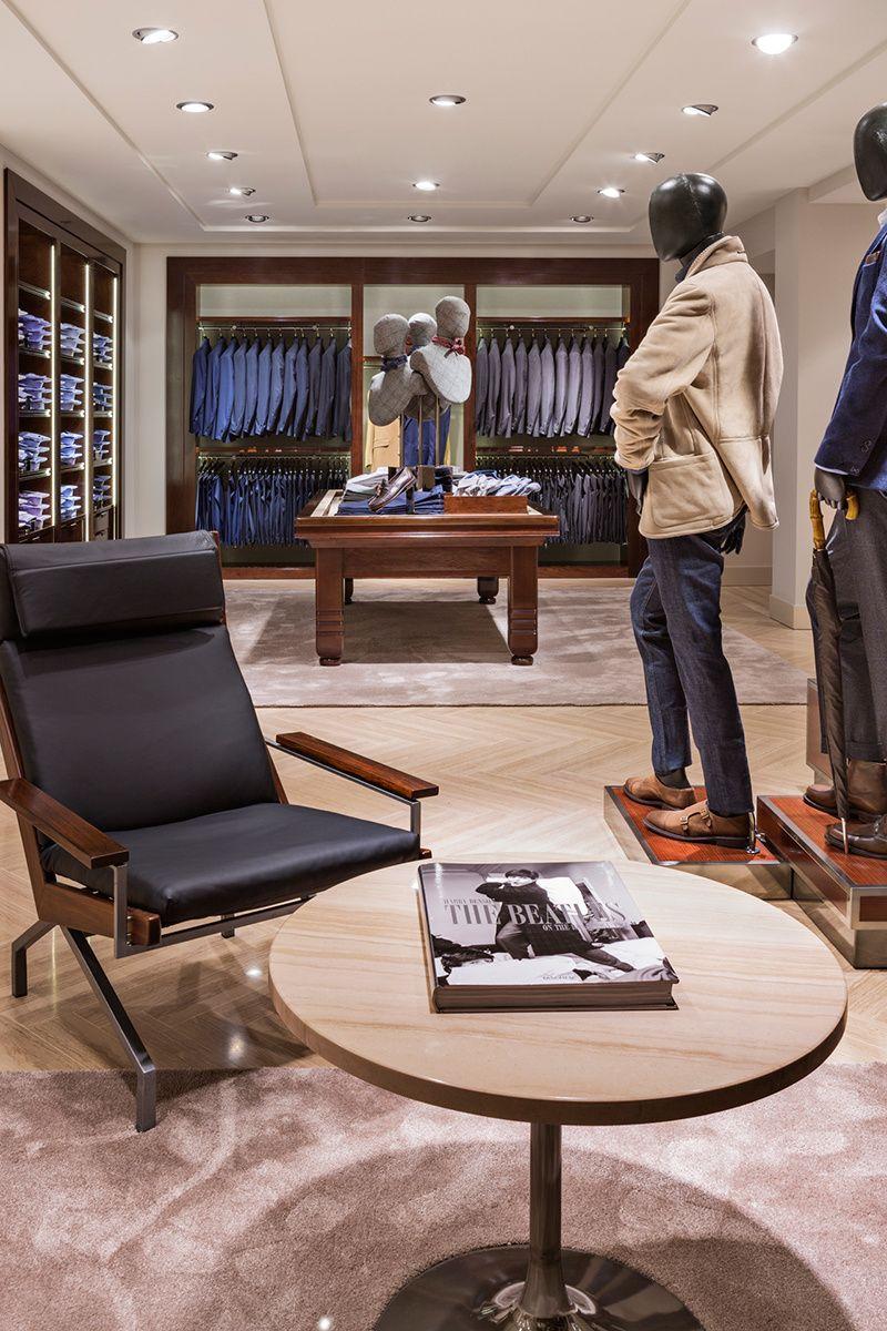 Massimo Dutti Interiores De Tienda Diseño De Interiores De Lujo Exhibidores De Ropa