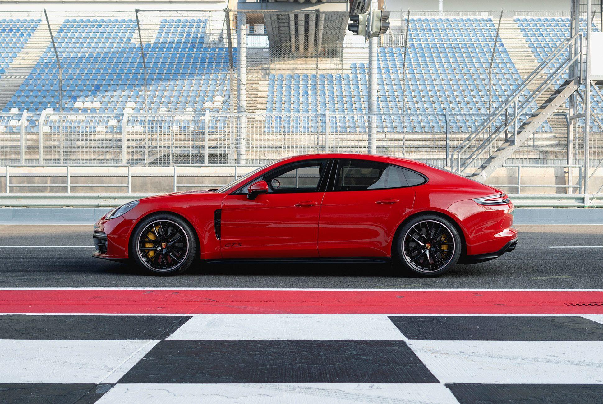 The New 2019 Panamera GTS Is the Thinking Man\u0027s Porsche