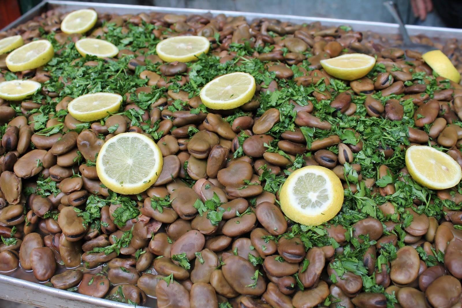 من الأسواق الفلسطينية فول نابت Arabian Food Middle Eastern Recipes British Food