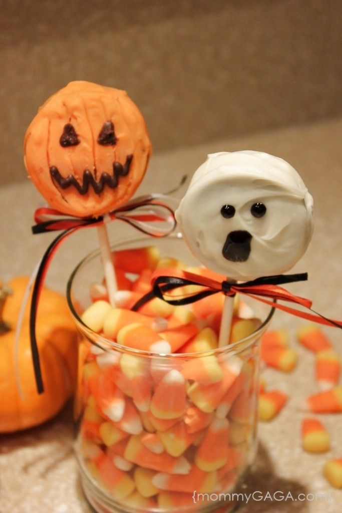 Cute Halloween Oreo Pops Pumpkins, Ghosts and Monsters - Oh My - cheap halloween food ideas