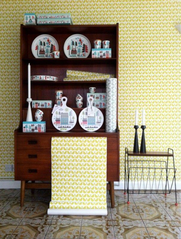 Lovebird Mustard Behang - Geel | Behang | Beautiful Happy Things - Isak  more  Vogeltjesbehang, niet in blauw
