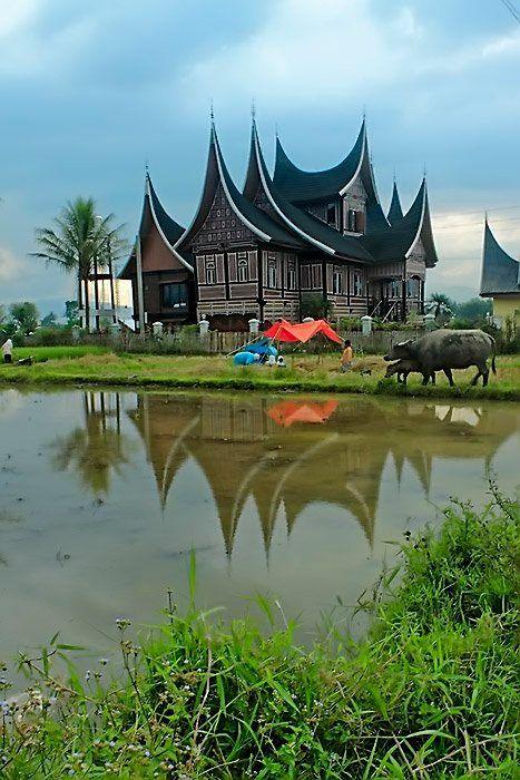 Paling Hits 30 Lukisan Pemandangan Alam Minangkabau Lukisan Rumah Kampung Hitam Putih Cikimm Com Download Negeri Leluhu Di 2020 Pemandangan Gambar Lukisan Abstrak