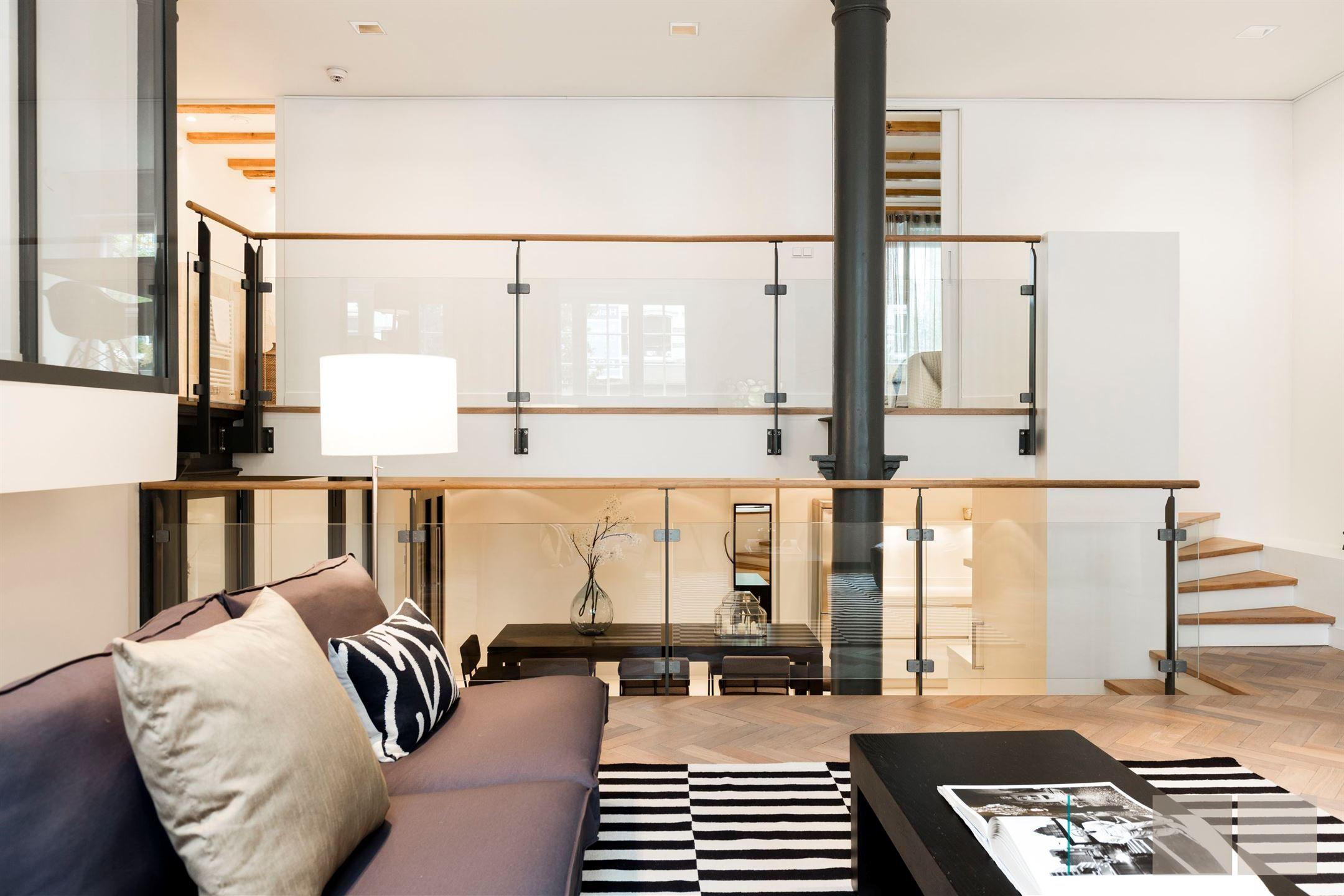 Bijzonder smaakvol appartement van ca m² gelegen aan de