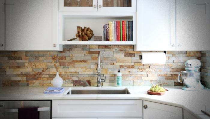 Encuentra Las Mejores Paredes De Piedra Para Implementar En Tu Casa Disenos Contemporary Kitchen Backsplash Stacked Stone Backsplash Stone Backsplash Kitchen