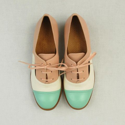 Ingra Cutaway Oxfords by Chie Mihara