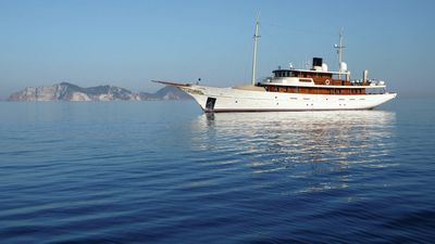 HOME  >  BUSINESS  Posted: 12:00 a.m. Thursday, March 21, 2013  Want to party on Johnny Depp's boat?  If you've got the bling, The Palm Beach International Boat Show has your vessel.