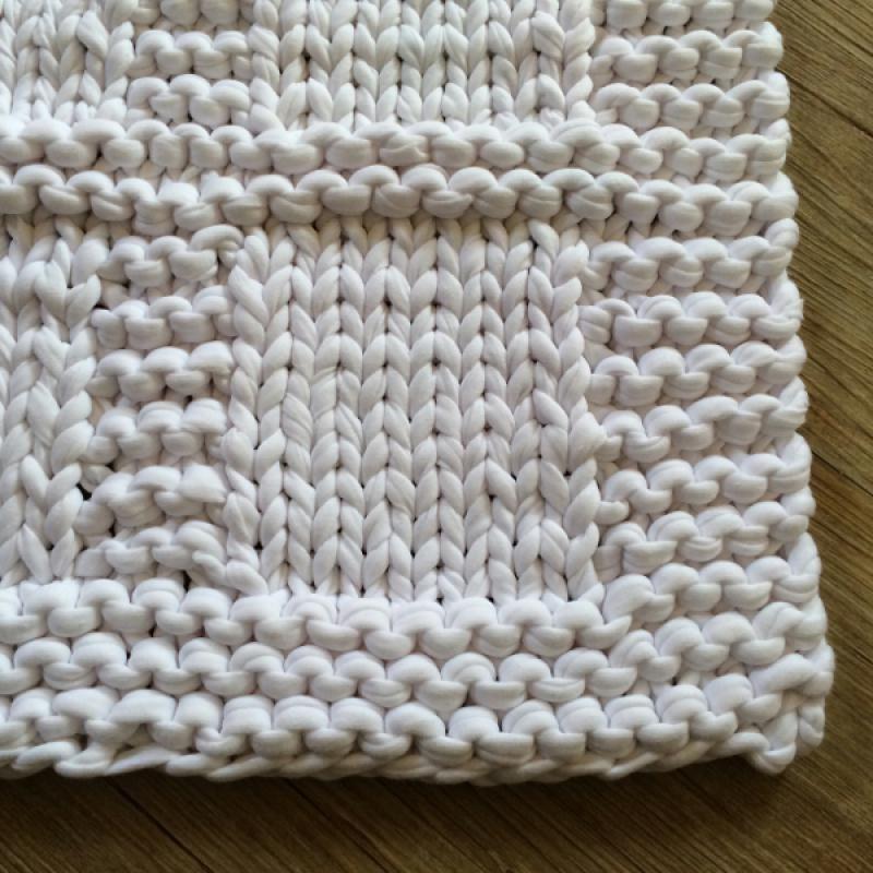 Tuto Tricot Un Tapis De Bain En Zpagetti Hoooked Idees Conseils Et Tuto Crochet Et Tricot Tapis De Bain Tapis De Bain Original Tricot Et Crochet