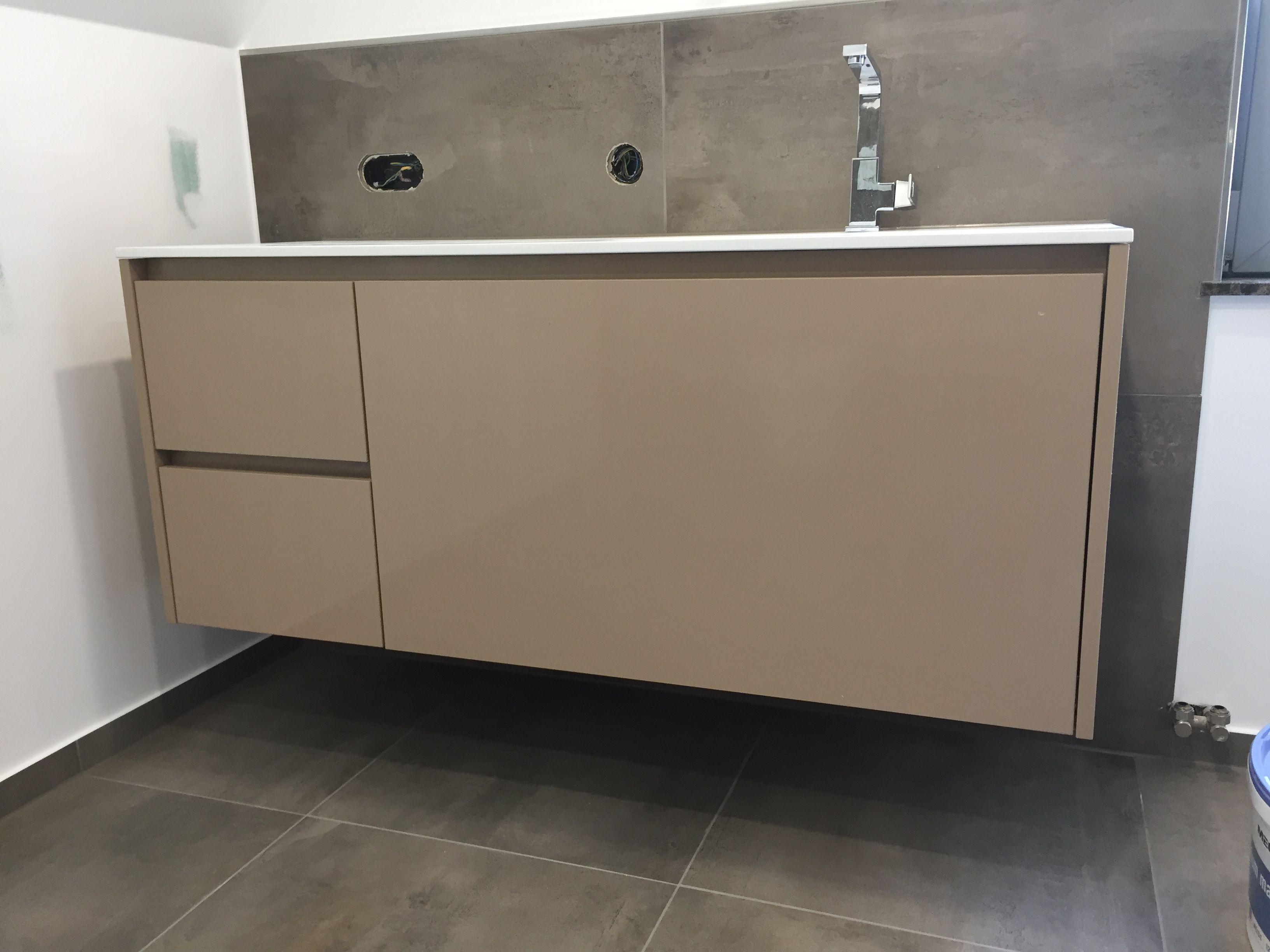Taupe Waschtischunterschrank Nach Mass Von Www One Bath De Waschtischunterschrank Badezimmer Waschtisch