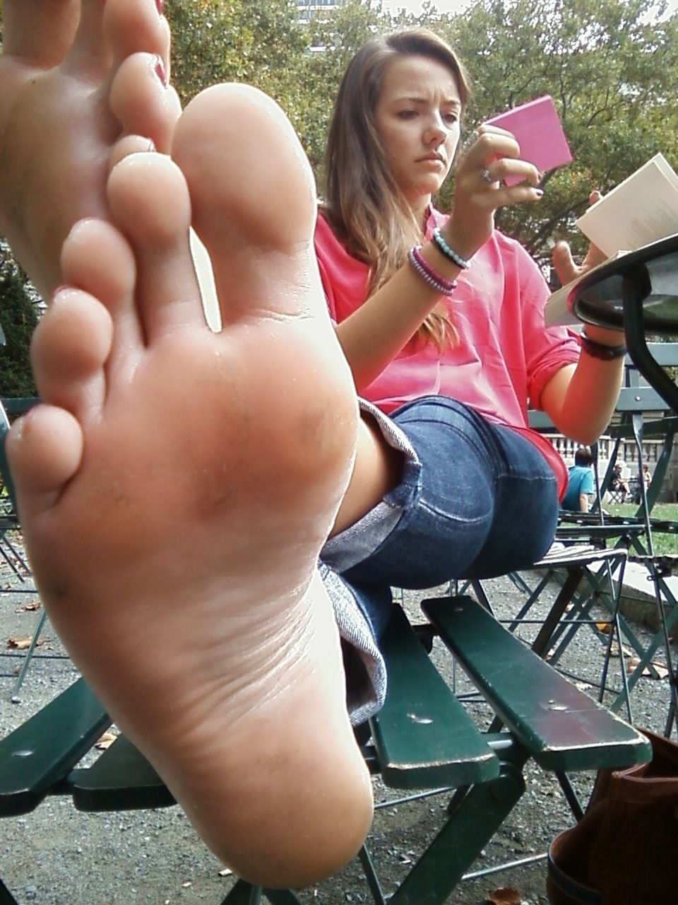 Observing The Soles Of Amateur Girls Who Can Also Enjoy The Panchira