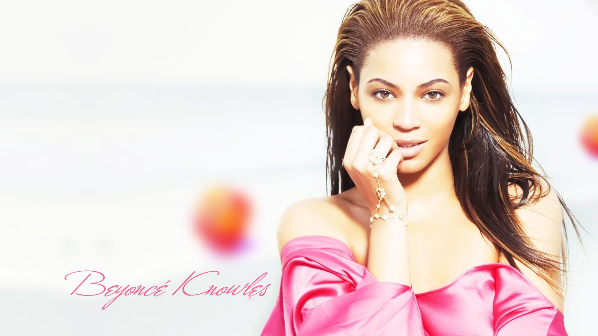 Beyonce Knowles in Pink Dress Pink dress, Beyonce