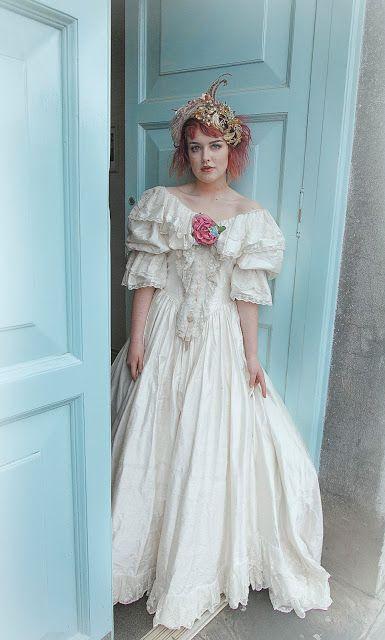 Model: Astrid Davis; Flower Crown by Flora Bellahttp://www.flora ...