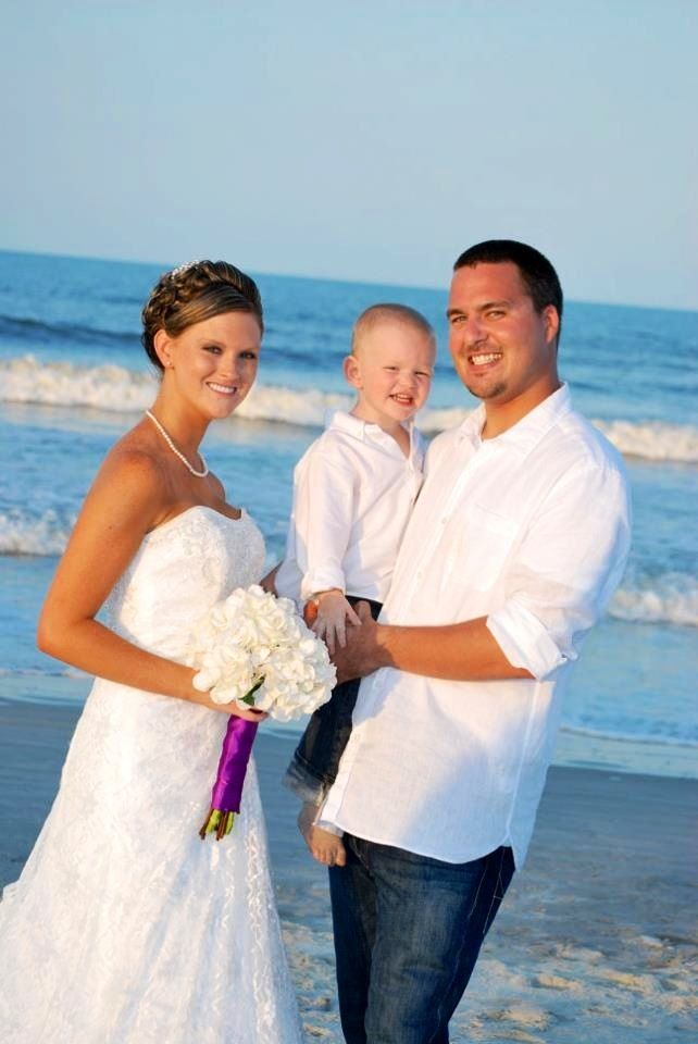 Our wedding day. <3 7-30-2011