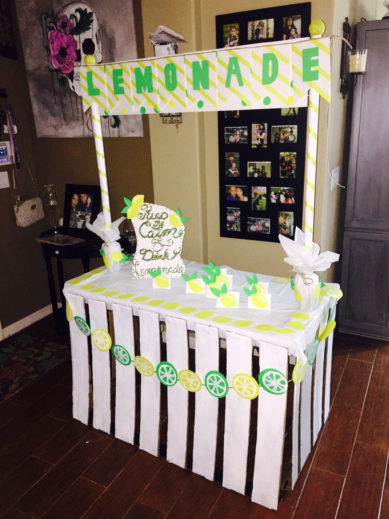 DIY lemonade stand from cardboard!!!!! Diy lemonade