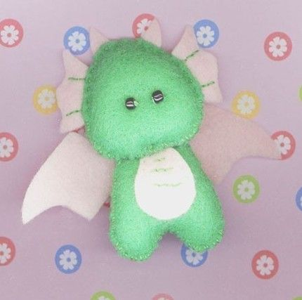A felt baby dragon?! Kawaii! xD