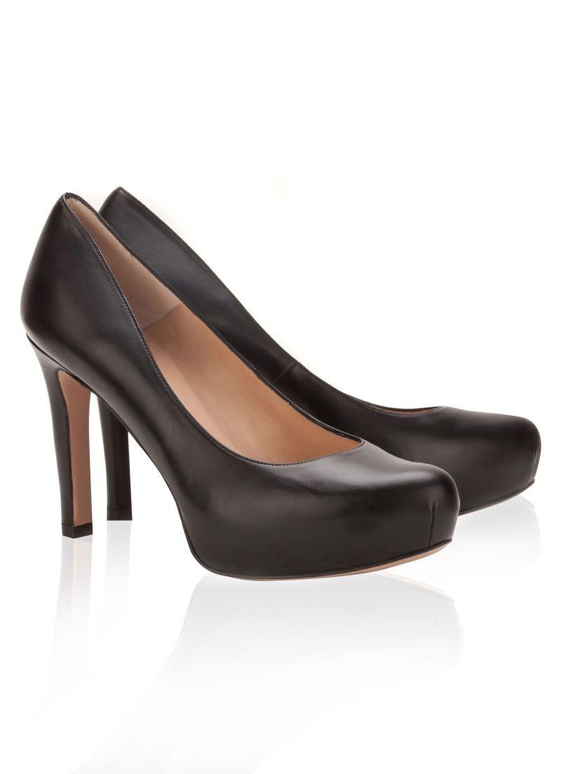 702cd3a0613 Pura Lopez Endora- Zapatos de salón con tacón medio y plataforma interior  en piel color negro.