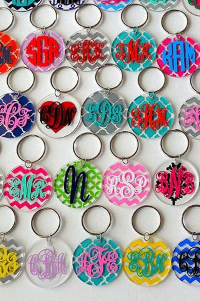 monogram key chains  if someone got me this i would love them forever