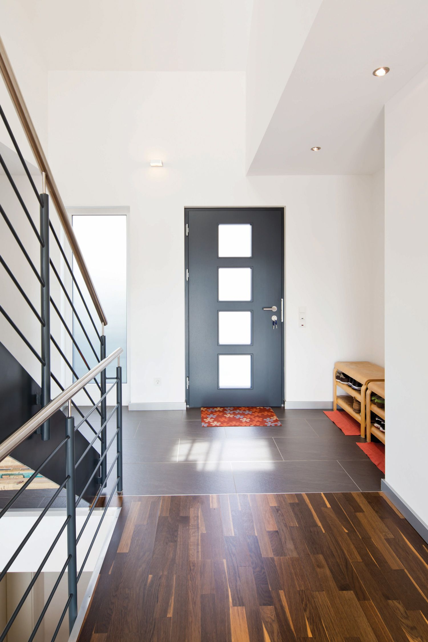 Attraktiv Eingangsbereich Mit Stahltreppe