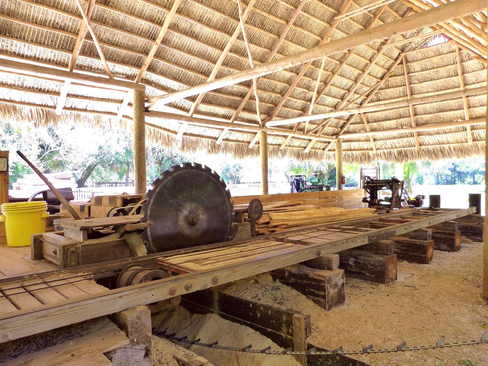 saw table trees to boards pinterest milling logs and woods
