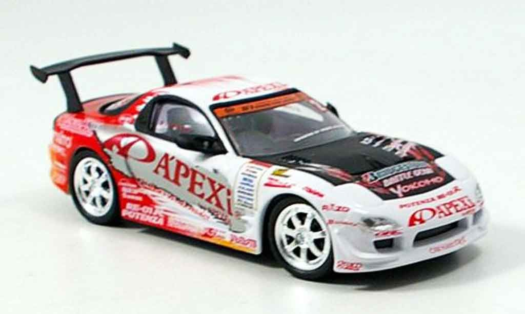 This is a very highly detailed Mazda RX7 2005 diecast model car 1 - car description