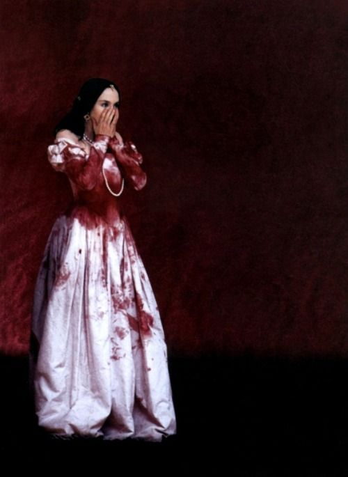 fantomas-en-cavale:  mandragona:  Isabelle Adjani en La Reine Margot