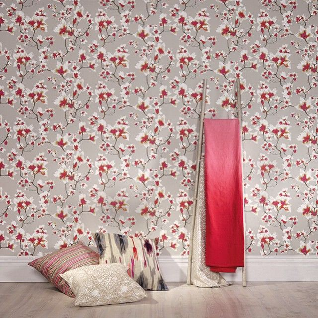 """@romo_fabrics's photo: """"The beautiful Kew wallcovering from Black Edition features a pretty floral trail inspired by flowering magnolias #interiordesign #design #wallcovering #floral #kew #blackedition"""""""