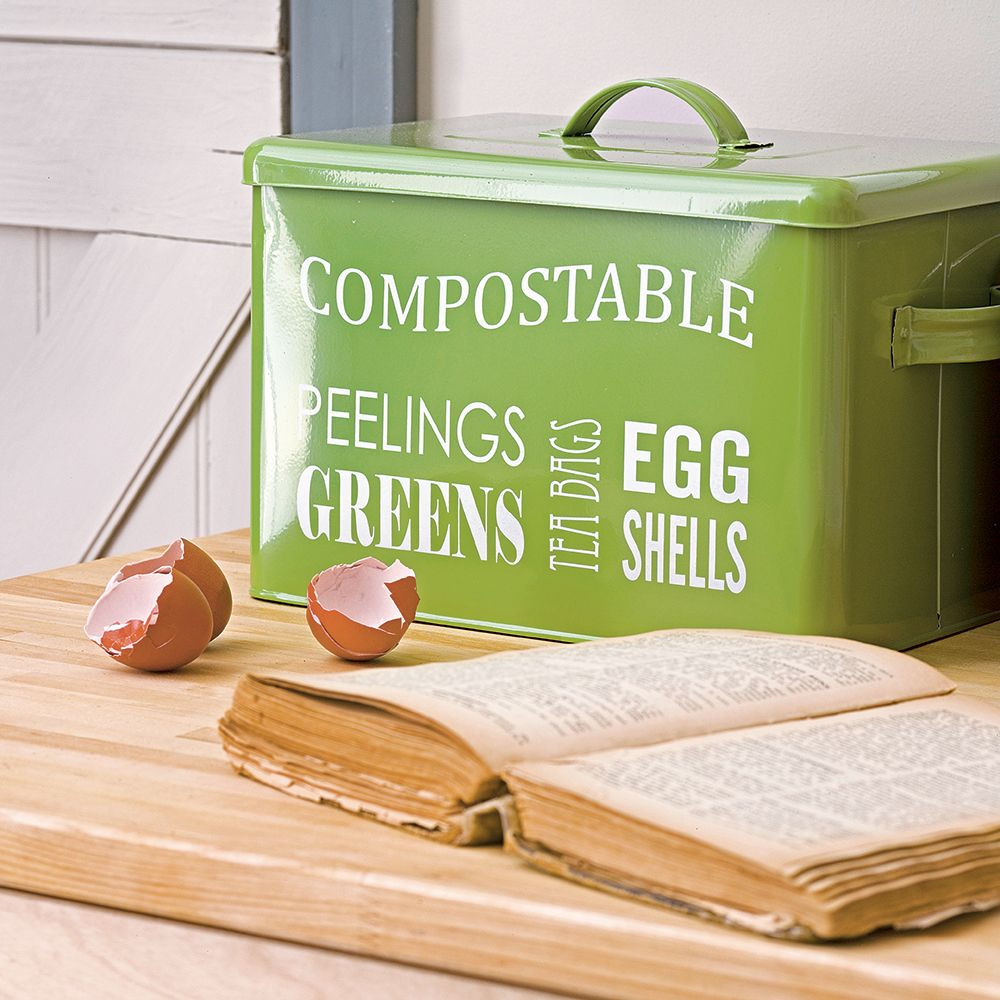 How To Make Compost And Feed Your Garden For Free (With