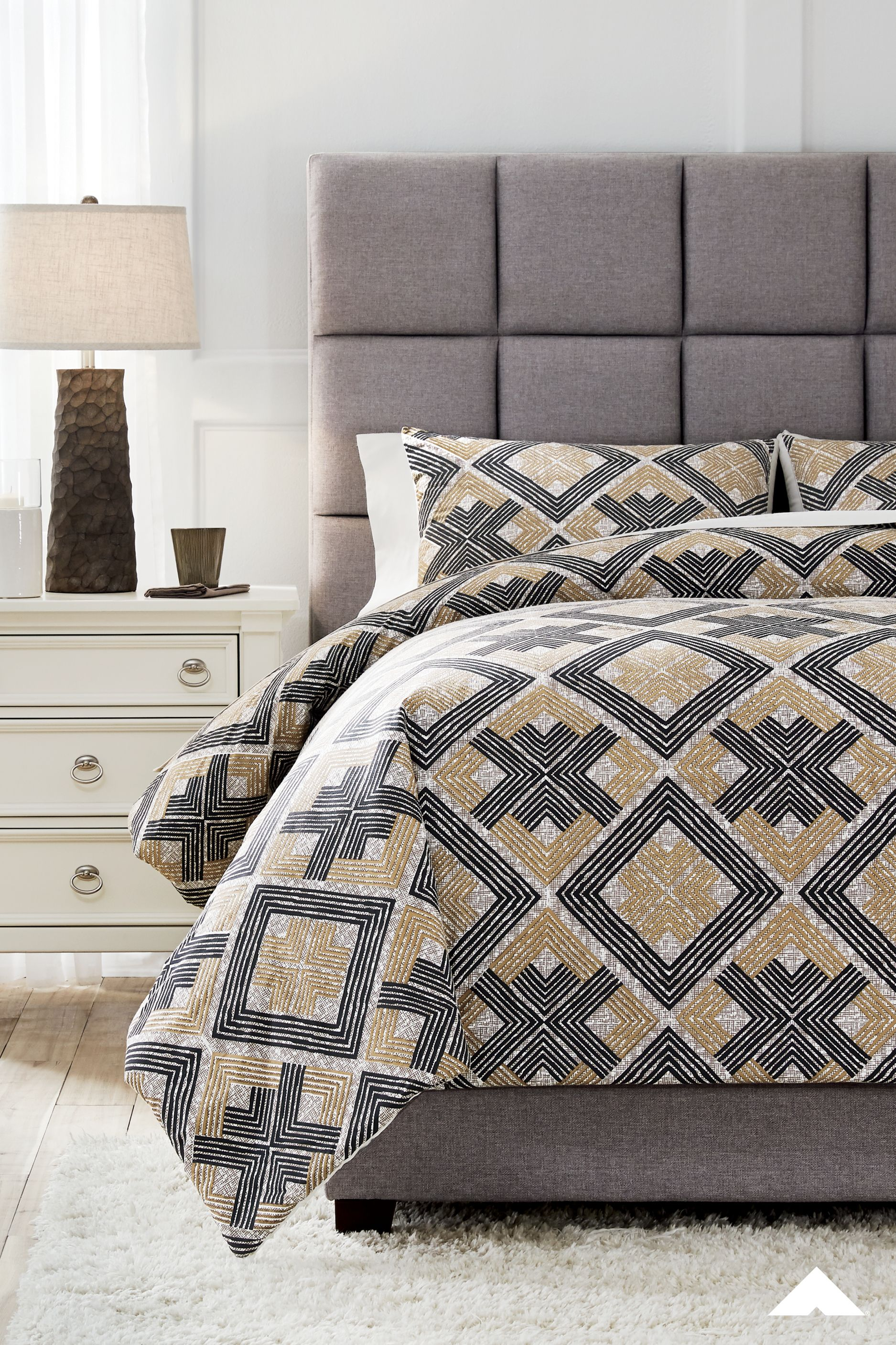 Scylla Black Brown Queen Comforter Set From Ashley Furniture