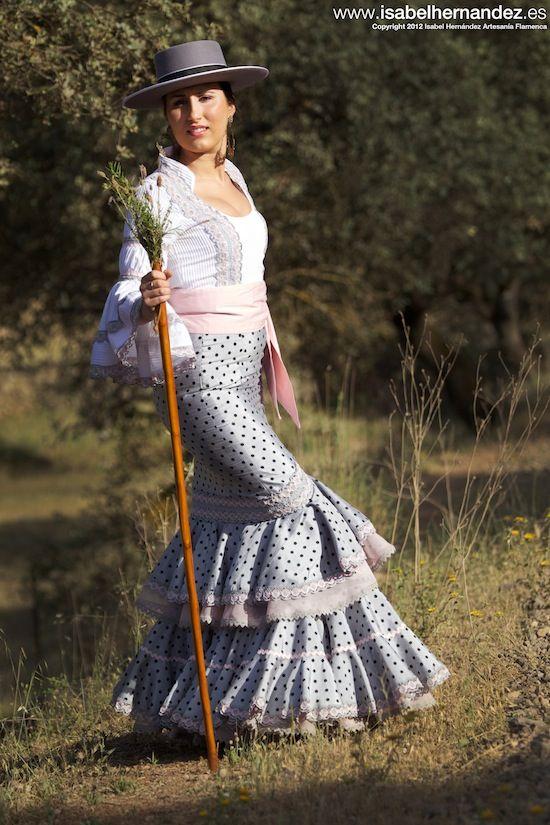 1eed9aef7d7 Falda canastera con encaje y fajin a juego Falda Canastera, Vestidos De  Flamenca, Moda