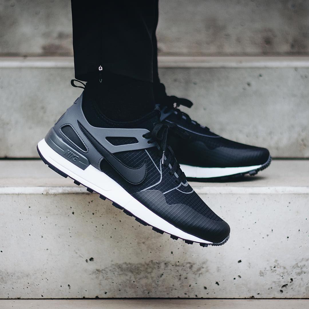 Footwear: Nike Air Pegasus 89 Tech.
