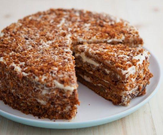 مطبخ منال العالم طريقة تحضير كيكة النسكافيه الباردة Carrot And Walnut Cake Desserts Honey Cake Recipe